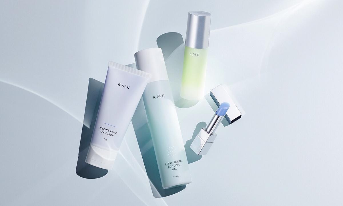 RMK給肌膚滿滿的透涼藍感,沁涼凝露、冰沙潔顏膠與藍色護唇膏,一用瞬間降溫,暑氣全消!