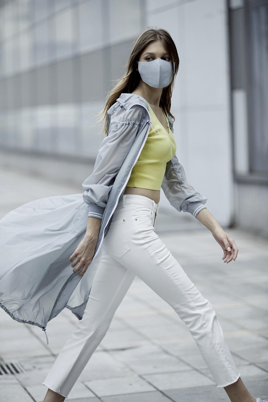 防護衣也走夢幻路線!iROO機能時尚「繽紛衣」讓妳外出更安心