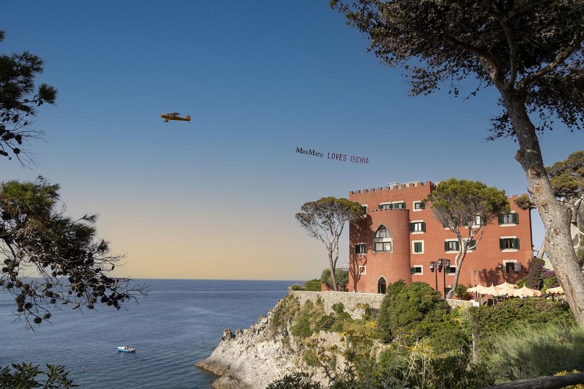 Max Mara 2022早春系列 義大利Ischia島的夢想之旅