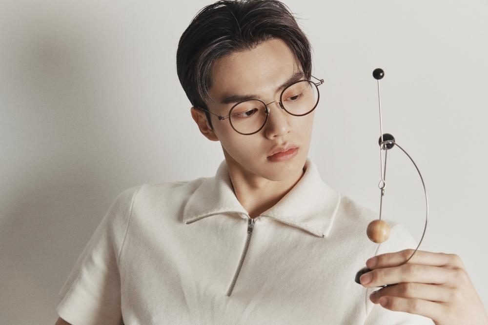 《無法抗拒的他》宋江同款服裝、眼鏡找到了!不只超會撩~時髦打扮更超標