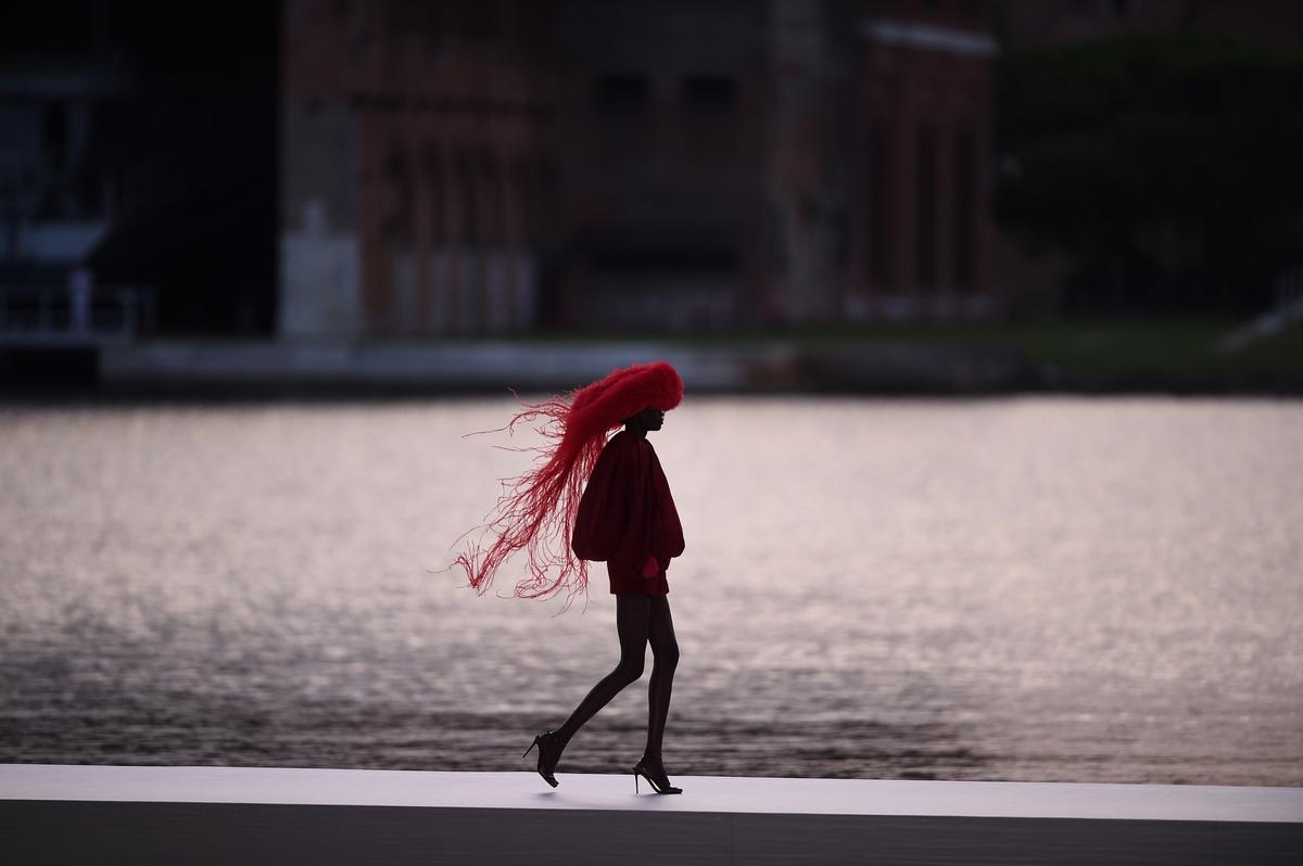 Valentino秋冬高訂 譜一曲時裝與藝術的夢交響