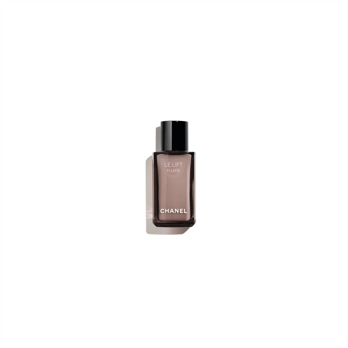 圈粉無數的香奈兒3.5-DA彈力緊緻活萃系列,再度推出「3.5-DA醇萃彈力緊緻乳」、「3.5-DA醇萃緊緻彈力唇霜」,層層疊加幫你養出澎潤光澤肌