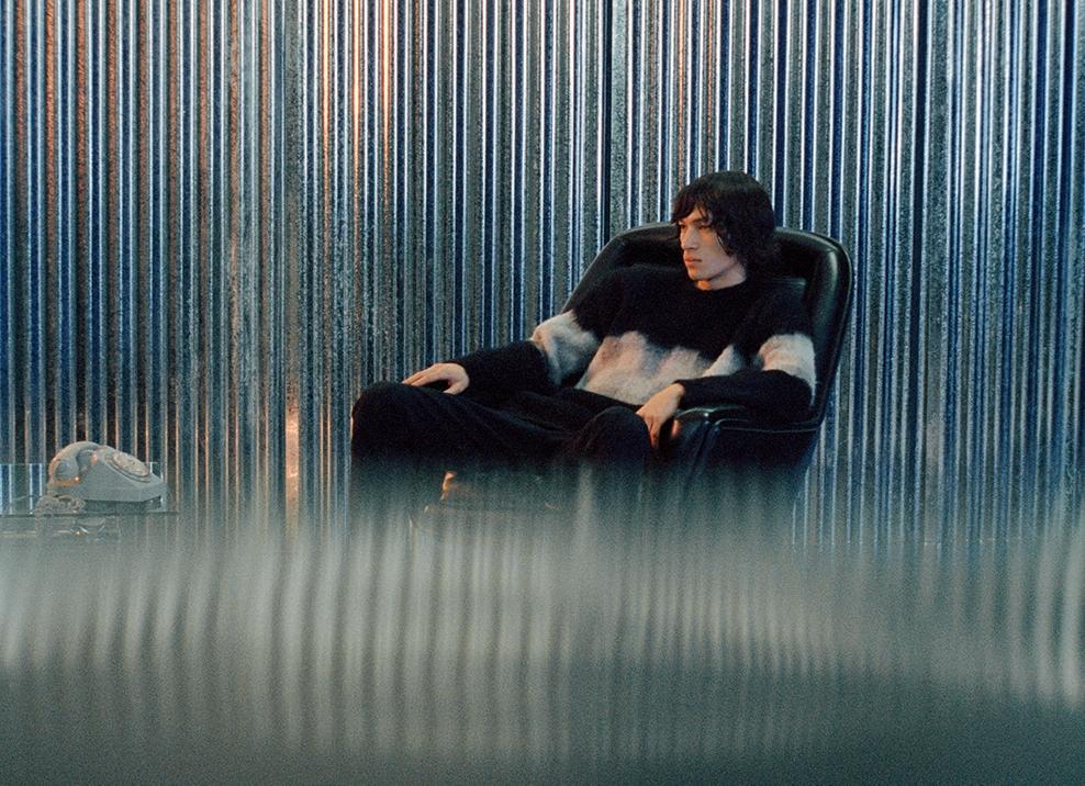 時髦型男首選!Peter Wu秋冬走入電影院 詮釋抽象謎樣光影氛圍