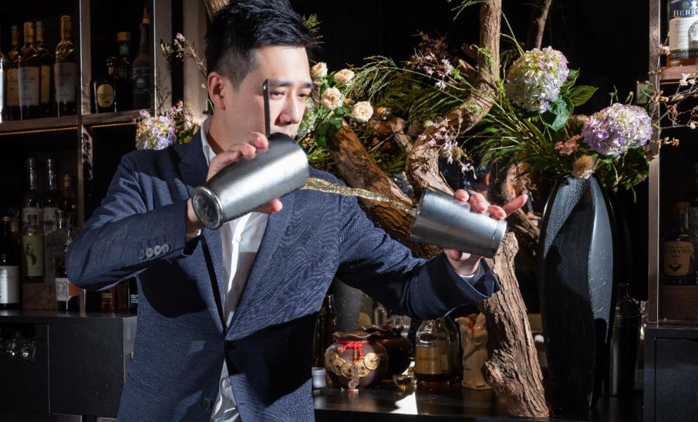 一次品味東西方茶酒!Bar Mood吧沐創辦人吳盈憲,用自製茶糖漿譜寫調酒的萬千風情