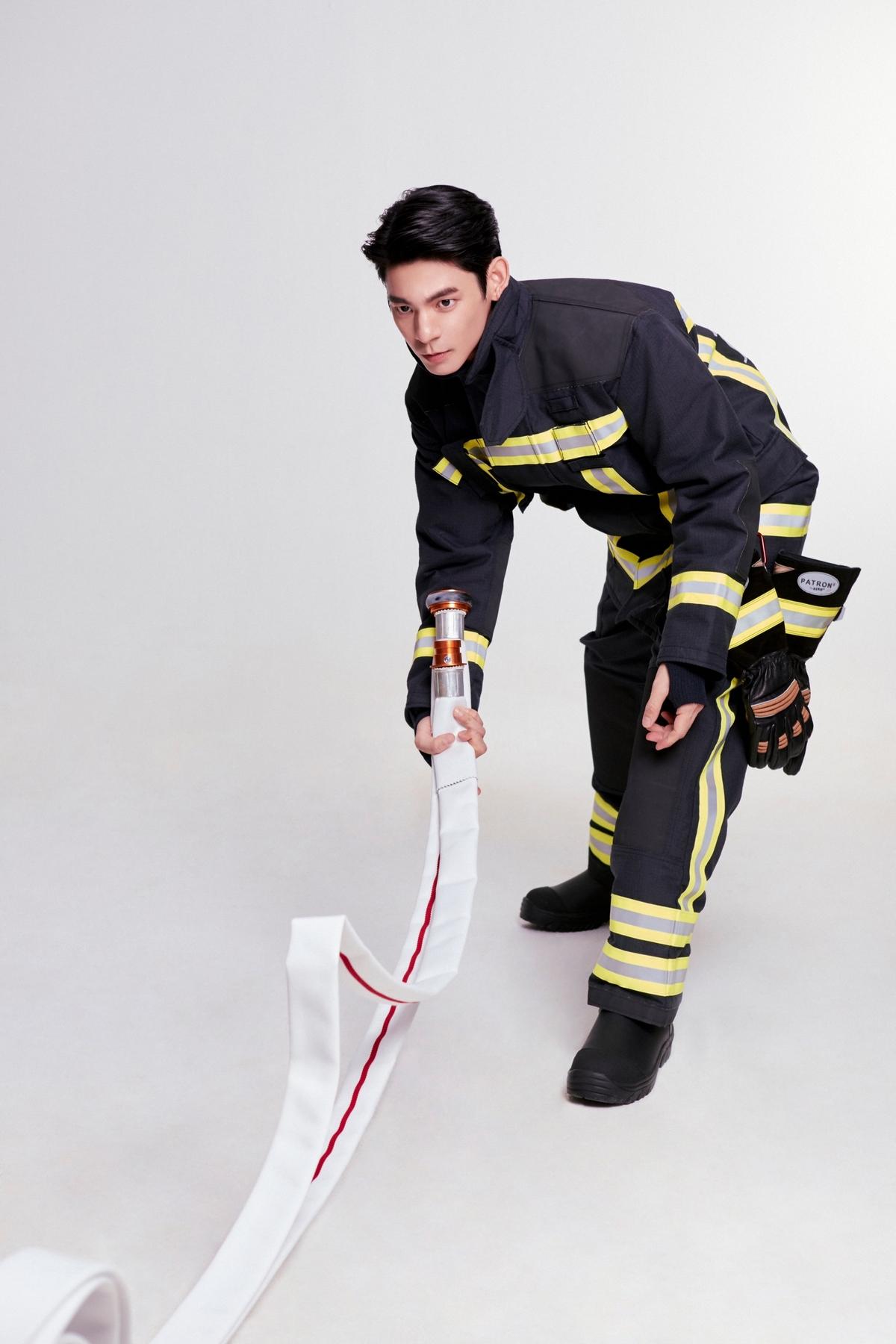 拍過《火神的眼淚》就是不一樣!林柏宏帥當消防大使pose滿分