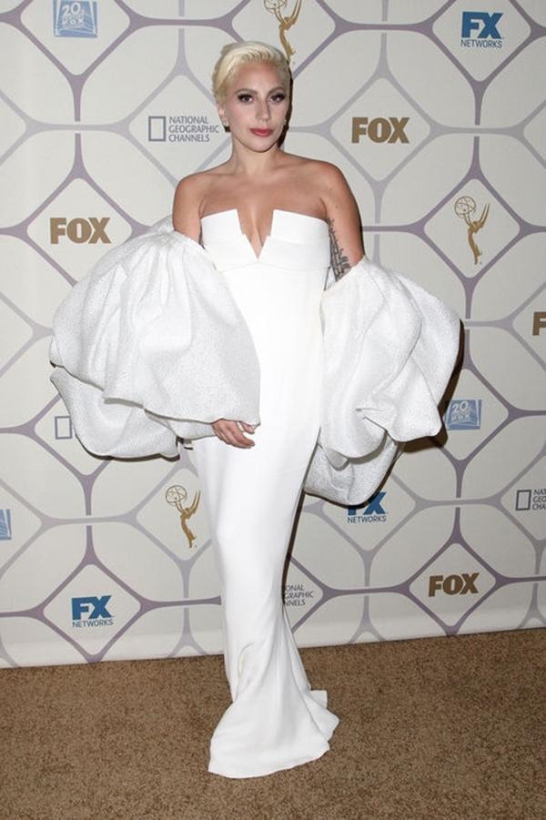 優雅女神之路不再卡卡!Lady Gaga 十套最美優雅造型全紀錄