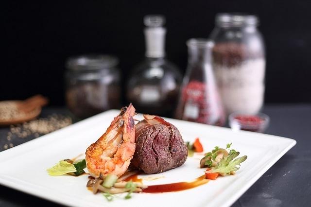 台南老爺行旅首推西式圓桌宴,挑戰鄉親的挑剔味蕾