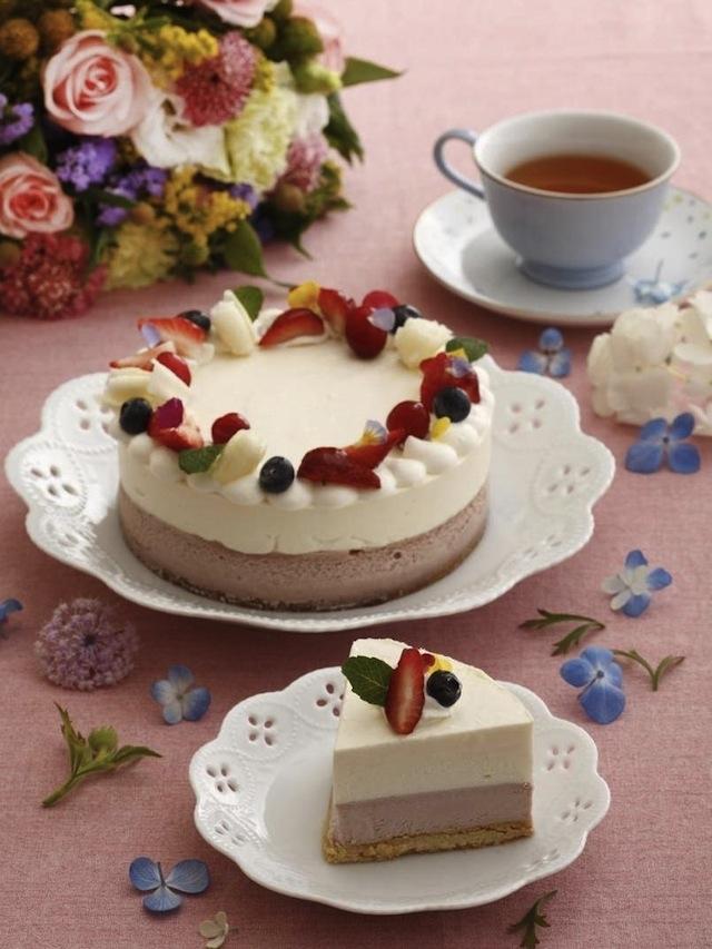 蛋糕、禮盒、美食一應俱全,打造花漾媽咪派對