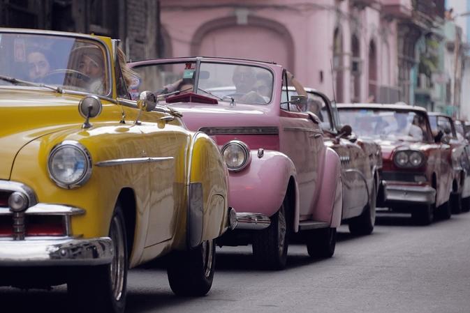 吉賽兒、凡妮莎巴哈迪齊聚CHANEL 閃耀古巴度假小城的爛漫