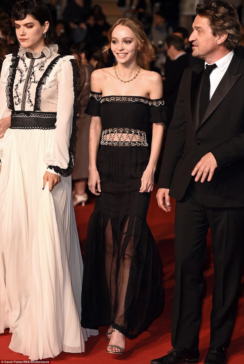 一家都是高顏值!強尼戴普之女Lily-Rose Depp堪稱坎城搶鏡王