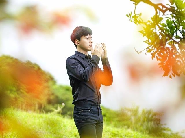 張杰來台拍MV超敬業 冰凍妝、楓葉撲臉樣樣來