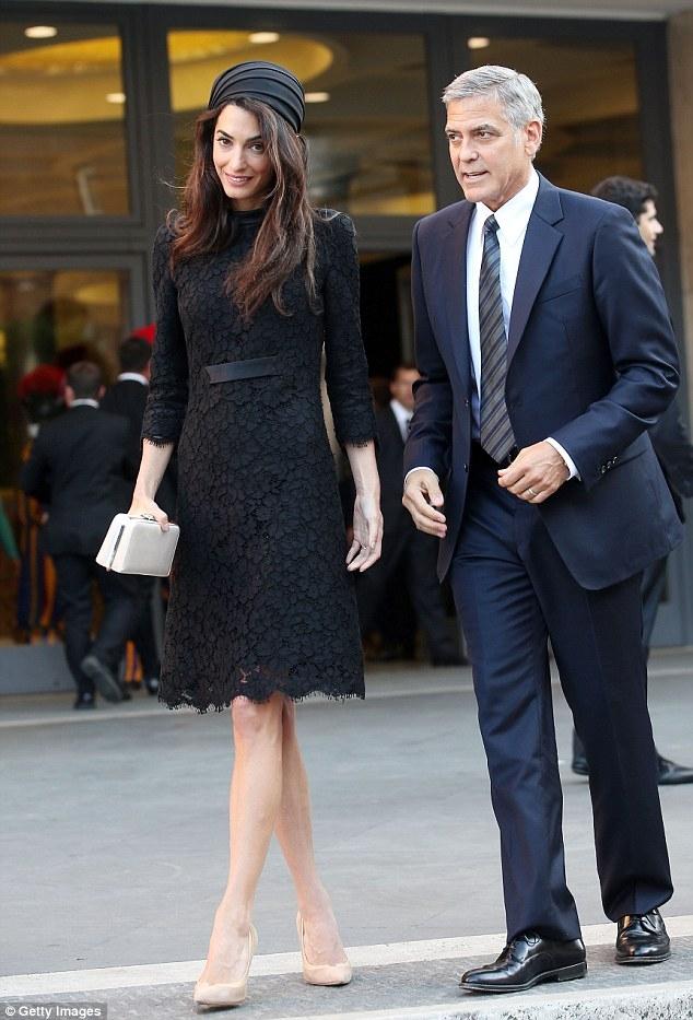 喬治克隆尼律師老婆不只有氣質還很辣!戴頭巾見教宗氣場是哪招?