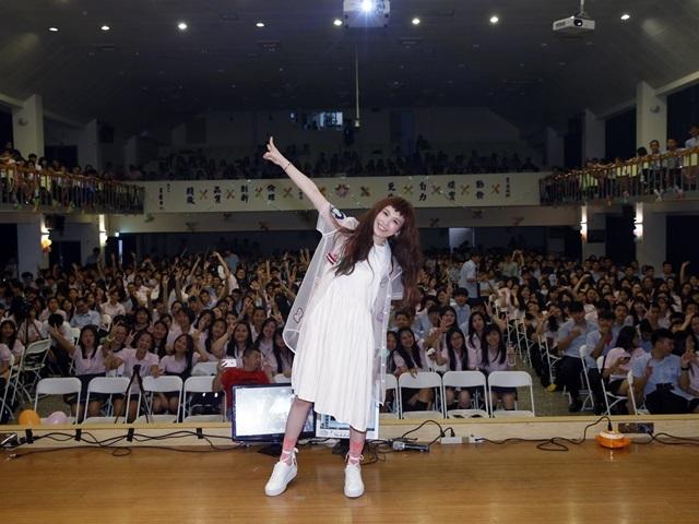 魏如昀新曲入選畢業歌 眾人齊唱超感動