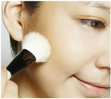 4步驟 消除泡泡水腫臉