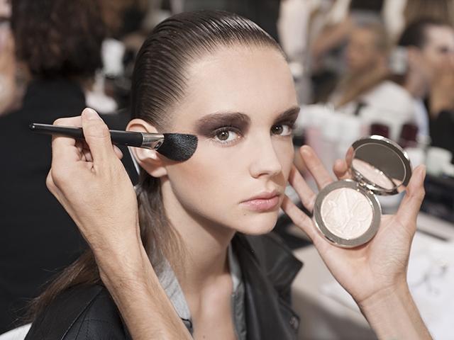 Dior早春大秀 後台彩妝驚艷布萊尼姆宮