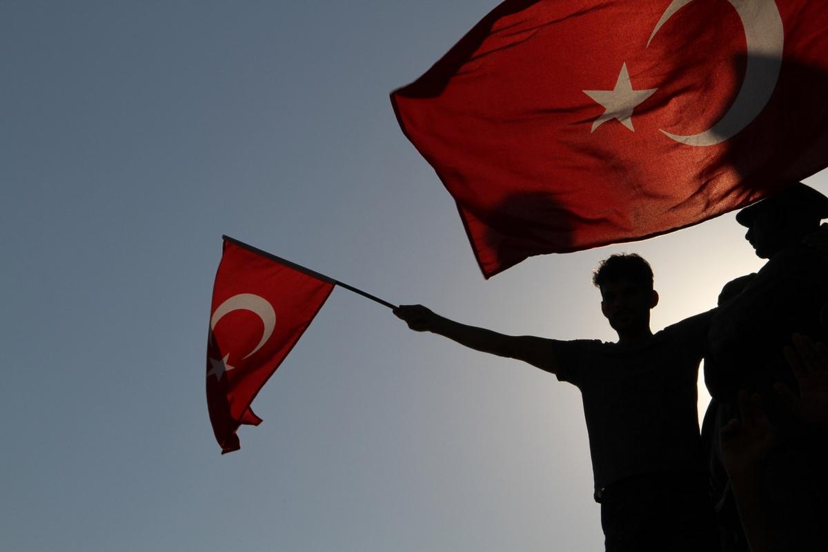 土耳其積極肅清行動,歐盟暫緩土耳其「入歐」