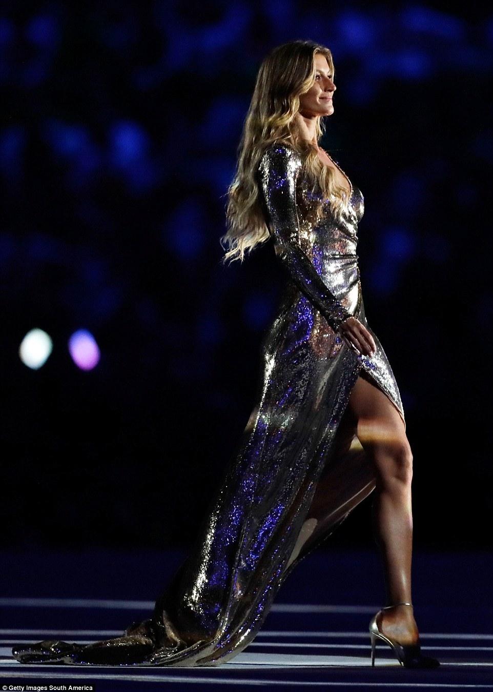 氣場太強!巴西超模吉賽兒亮相約奧運開幕式