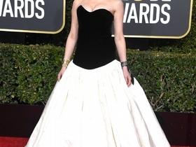 告別一片黑!第76屆金球獎女星鬥豔,Lady Gaga、艾瑪史東、安海瑟威誰才是紅毯第一美?
