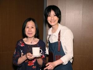 賴雅妍再扮阿不思煮愛心咖啡 遇潘越雲化身小歌迷
