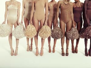 低調的裸色才是百搭之王!裸色紅底鞋讓女人freestyle毫不費力