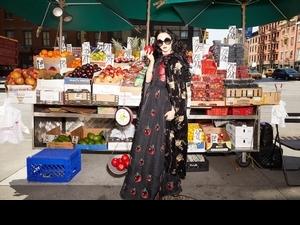暗黑公主餵吃毒蘋果!alice + olivia推出《白雪公主與七個小矮人》系列