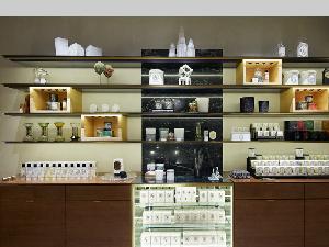 Diptyque就是精品香氛的代名詞啊,全新旗艦店每一處都流露出專屬於Diptyque的香氛藝術