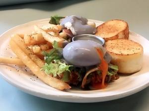 連假又多了一個打卡美食!貳樓餐廳推出2018班尼迪克限定餐點,新鮮蛋汁直接爆漿