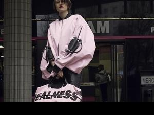 時髦精必搶!Longchamp聯手Hood by Air主理人反玩經典摺疊包,背後理念讓粉絲好感動…