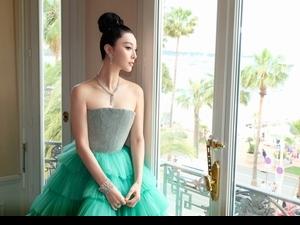 看她的紅毯你絕對上癮!范冰冰現身坎城影展 不走中國風改穿澎澎裙