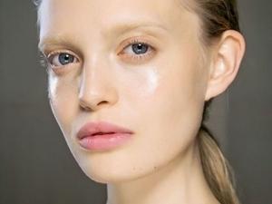 別怪肌膚為什麼一直出油啦~其實只要做好保濕動作,肌膚真的會少出油很多