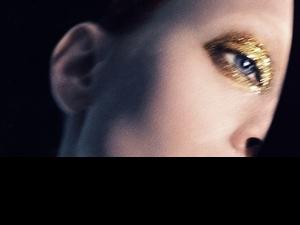 《TOM FORD  時尚無極限系列》復古又很前衛,還有銀河宇宙的霓光唇彩,高調的此或低調的裸都能展現時尚上大片的時髦唇妝感!