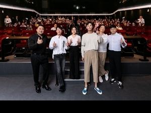 《與神2》登台/5星突襲戲院會台粉  河正宇、朱智勛穿情侶褲好默契