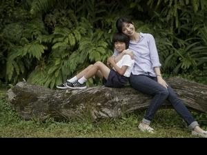 楊采妮宜蘭拍片扮漁村媳婦 對戲天才童星噴母愛