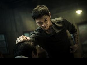徐若瑄為《人面魚》全程素顏 鄭人碩扮黑虎將軍乩身擲筊險遭拒