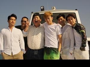 國片《紅樓夢》海報玩3P 全民男友陳彥名耍憂鬱
