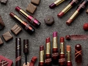 聞得到更吃得到濃濃巧克力味,是大吃也不會變胖的巧克力唇膏!「植村秀X梅森巧克力限量聯名聖誕節彩妝系列」現身!