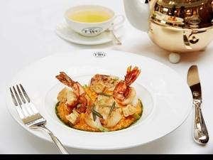 果然夠奢華!TWG Tea用新加坡叻沙佐燉飯,香煎干貝、油封斑節蝦好吃到舌尖在跳舞