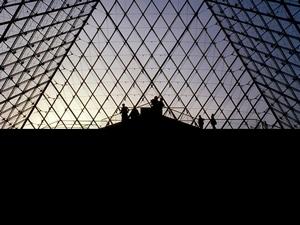 Louis Vuitton路易威登 2019 春夏大秀零時差直播