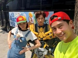 《完美搭檔》登南韓新片票房冠軍! 李光洙出奇招化身「大黃蜂」宣傳