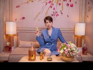 郭雪芙全新短髮造型,又帥又美,與法國嬌蘭攜手於巴黎拍攝全新視覺廣告