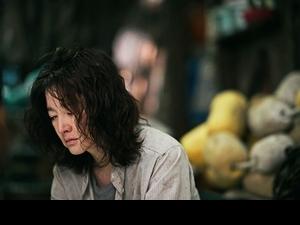 李英愛《復仇母親》憔悴素顏上戲! 睽違14年拍電影坦承心累