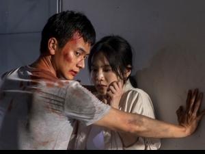劉冠廷中槍倒下「腫一包」 張耀仁變「妝」中年婆婆嚇傻路人