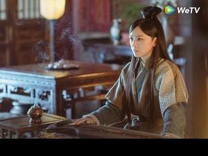 回鍋螢幕扮皇后 湯唯被壁咚吃豆腐
