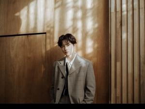 EXO SUHO熱血出輯霸佔50國iTunes冠軍 開箱新專輯秀靦腆反差萌