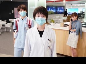 疫情催生新劇!波瑠網戀神秘男