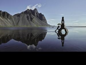 乘著想像力飛行!Louis Vuitton最新廣告帶你徜徉冰島奇幻之旅