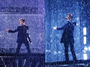 「雨神」再度發威!蕭敬騰室內飆唱〈王妃〉竟狂風暴雨