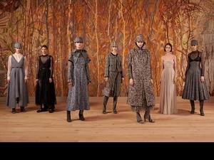 Dior 2021秋冬高訂 用紡織與刺繡重拾真實的悸動