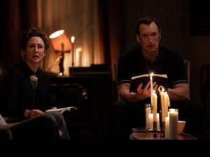 開燈才能入睡!《厲陰宅3》華倫夫婦劇本驚見血、腿上浮現不明瘀青
