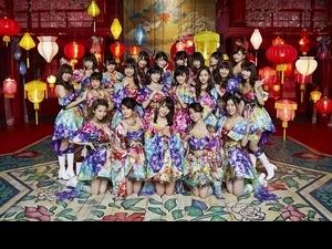 再創紀錄! AKB48女女吻出百萬銷售